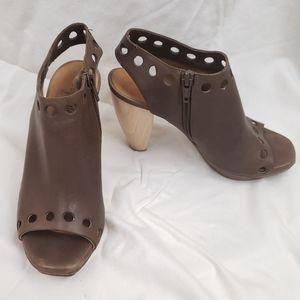Coclico Open Toe Brown Heels